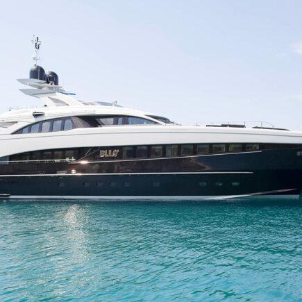 Luxury yacht Charter in Dubai